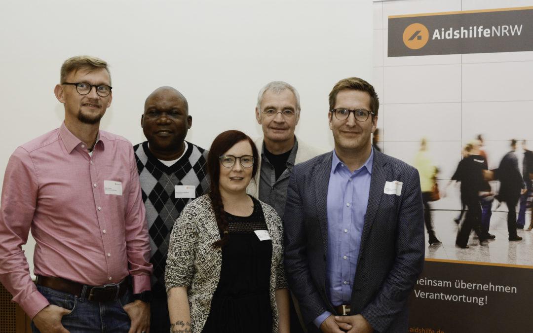 Die Mitglieder des neuen Landesvorstands der Aidshilfe NRW Maik Schütz, Pierre Kembo Mayamba, Johanna Verhoven, Heinz-Ulrich Keller und Arne Kayser.
